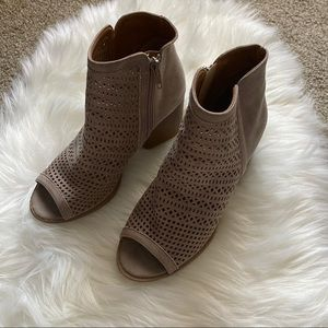 QUPID LIGHT TAUPE CUT OUT PEEP TOE BOOTIE
